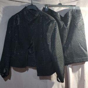 Worthington shining black crocodile look skirt set